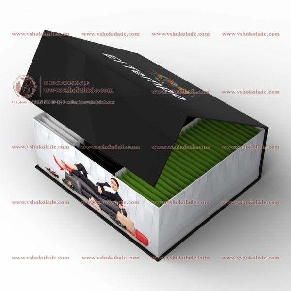 Брендированная VIP коробка из переплетного картона с порционным чаем с логотипом компании